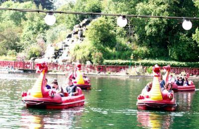Peasholm Park Boats